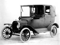 1915 Model T Town Car. From the collections of The Henry Ford and Ford Motor Company. (4/22/08)