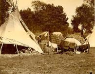 350px-Ponca_camp