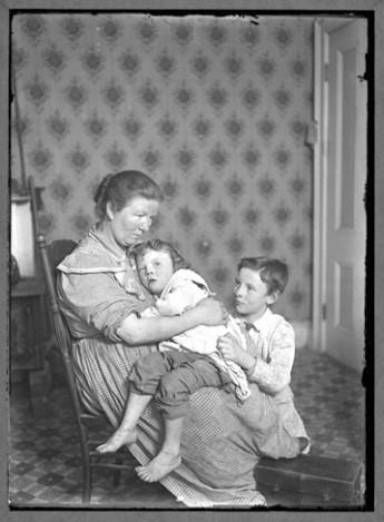Mom+kids